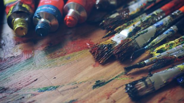 paint brushes (Photo by Andrian Valeanu on Unsplash)